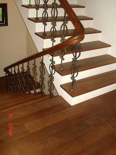 紫檀五寸木地板+楼梯实木踏板+桧木天花板